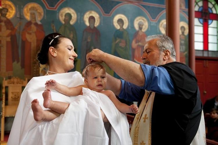 Молитвы для крещения ребенка крестной