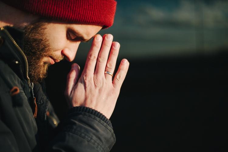 Молитва на удачную продажу квартиры